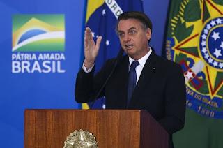 https://vnoticia.com.br/noticia/3797-bolsonaro-decide-revogar-decreto-que-facilita-porte-de-arma-de-fogo