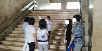 Menjadi Tour Guide di Jakarta Sehari