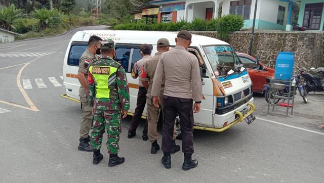 Pos Pam Larangan Mudik Dilakukan Personel Jajaran Kodim 0207/Simalungun Bersama Polres Simalungun