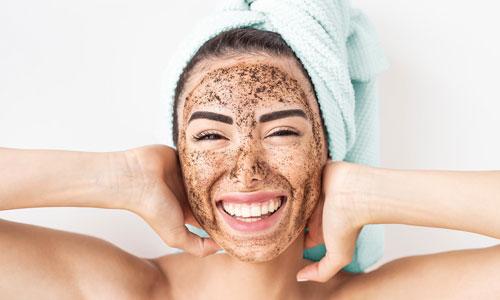 Efectos y beneficios de exfoliarse la cara