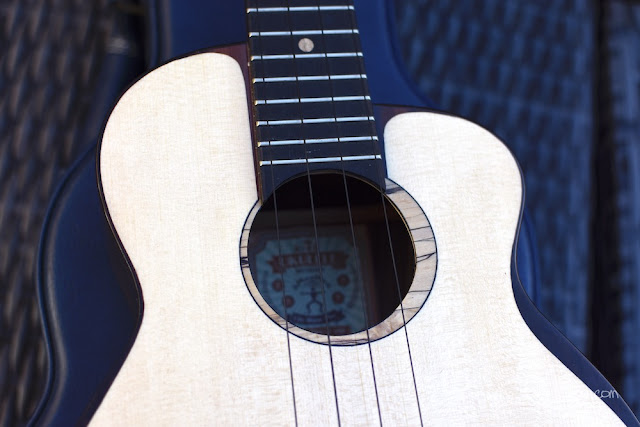 Moon Bird Tenor ukulele