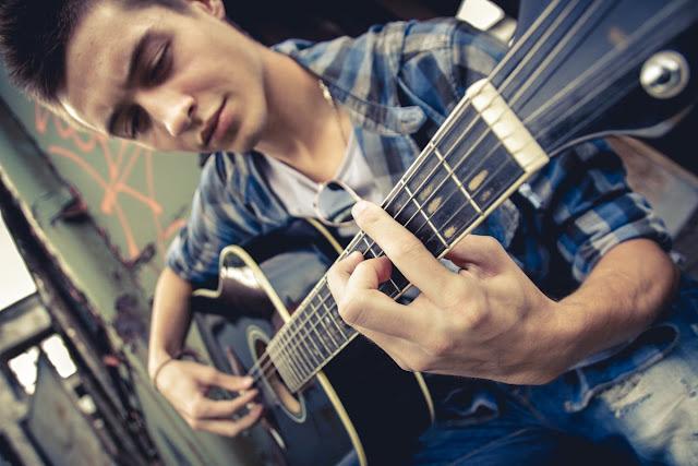 Phương pháp Học và Thực hành đàn Guitar hiệu quả
