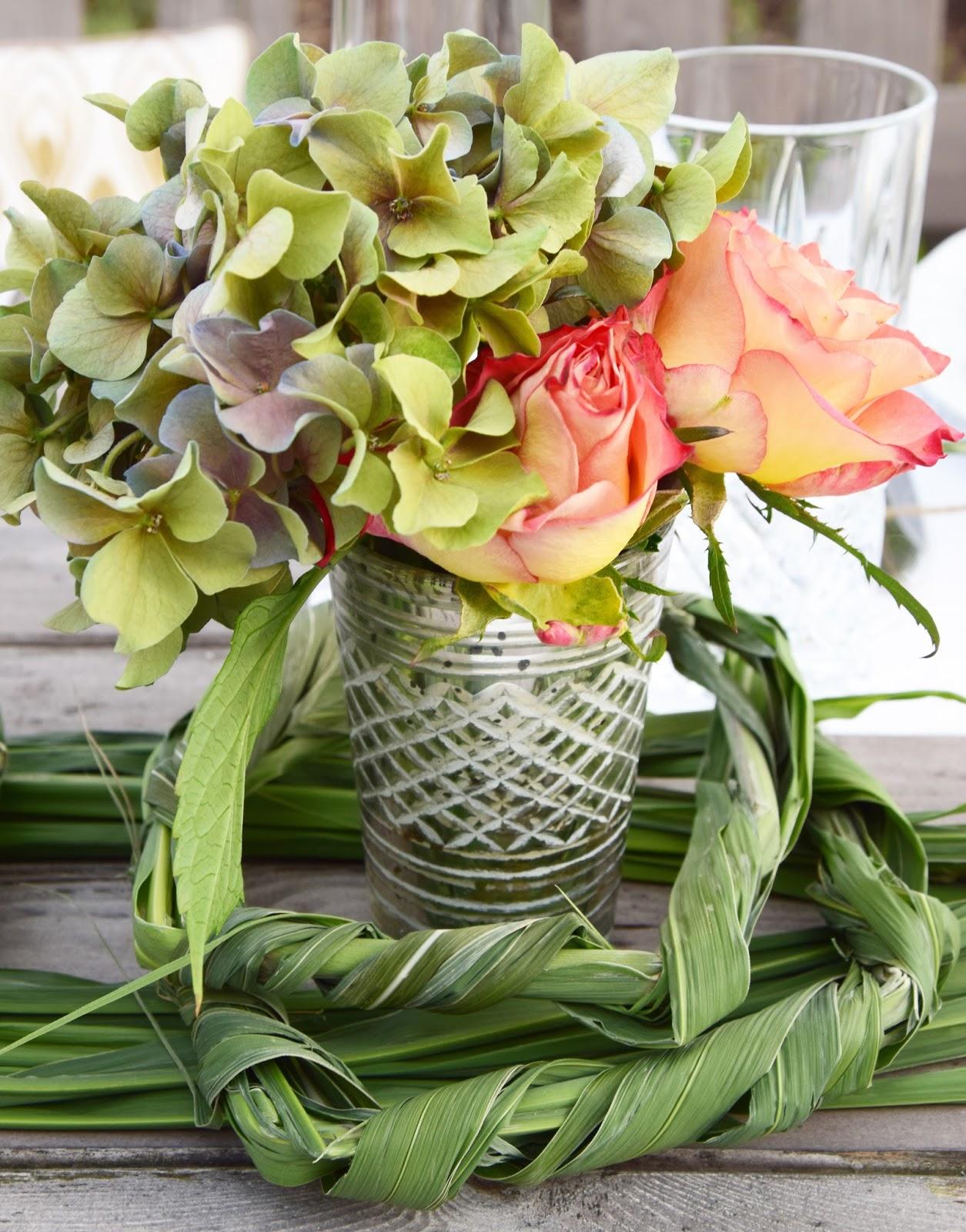 So trocknet ihr Rosen und Hortensien seidig weich und macht sie ewig haltbar. DIY Dekoidee Deko Dekoration natürlich dekorieren