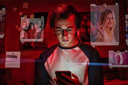 """Buscas por """"excluir Facebook"""" crescem 250% após filme """"O Dilema das Redes"""""""