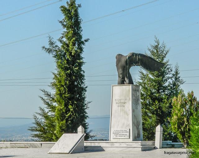 Térmopilas: Monumento lembra os 700 guerreiros da cidade de Téspias, que lutaram e morreram ao lado dos espartanos