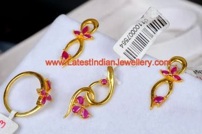 Daily Wear Gold Pendant Set