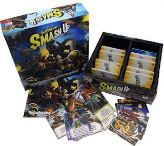 Componentes del juego de mesa Smash Up