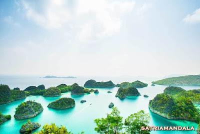 Kepulauan Raja Ampat Di Desain uang kertas Rp 100.000 ( Seratus Ribu )