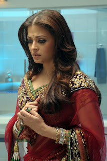 Aishwarya In Maroon Saree