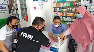 Polisi Lakukan Pengecekan Usaha Apotik Obat Di Kota Sengkang, Ada Apa ?
