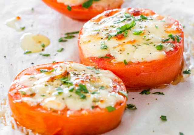 Baked Tomatoes with Mozzarella & Parmesan (Baked Parmesan Tomatoes) #keto #appetizers