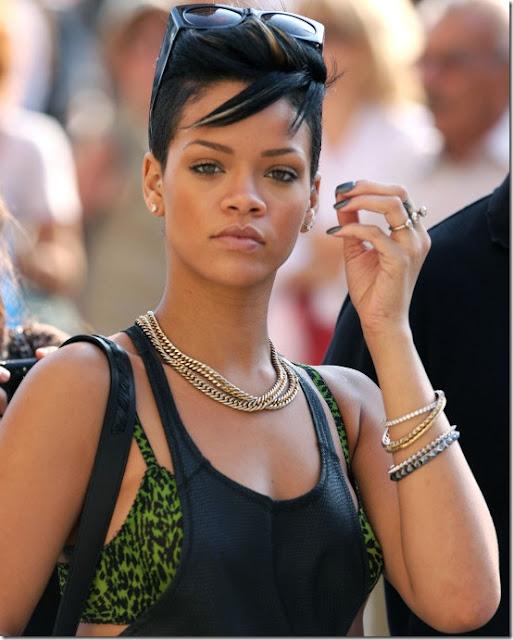 La chanteuse Rihanna clashe ses ex sur Instagram