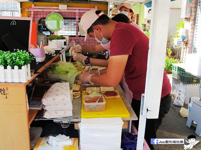 IMG 4814 - 【台中美食】胖丁 碳烤三明治 位於惠中路上的胖丁炭烤三明治,每個三明治都有花生醬、生菜、火腿、玉米蛋滿滿都是料
