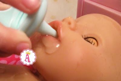 Пьющий воду Baby Born