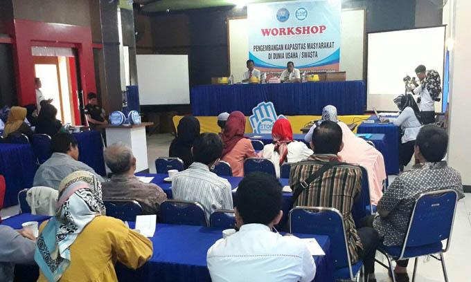 Puluhan Pemilik Apotek dan Toko Obat Ikuti Workshop BNNK Bone