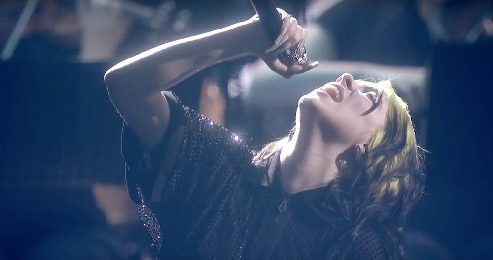Billie Eilish - No Time To Die   Live vom The BRIT Awards aus London