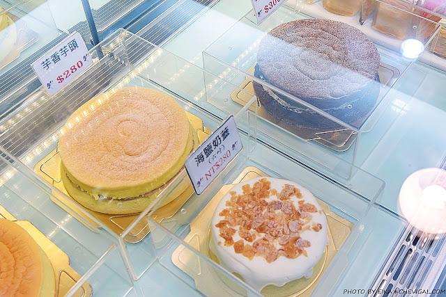 MG 9557 - 熱血採訪│台中人氣千層蛋糕12/19新開幕!百元就能品嚐美味千層,還有限定草莓千層新發售!