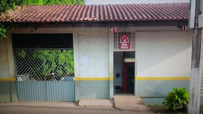 Ladrões tentam roubar dinheiro de caixa eletrônico em Itaituba. O fato aconteceu na madrugada de hoje na quinta rua do bela vista