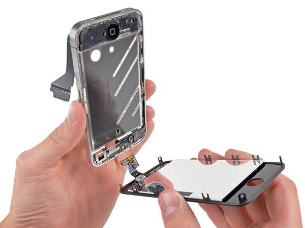 Nên thay mặt kính cho iPhone 4s khi gặp sự cố nứt vỡ kính