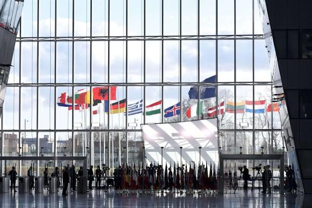 Τα απολιθώματα του ΝΑΤΟ και του Συμφώνου της Βαρσοβίας και ο νέος διπολικός κόσμος