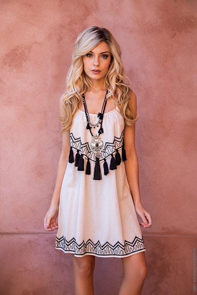 Moda mujer primavera verano 2019 ropa de moda.