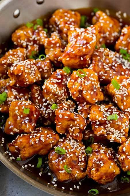 الدجاج الصينى بالخضار والسمسم
