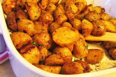 Pečeni marinirani mladi krumpiri / Baked marinated new potatoes