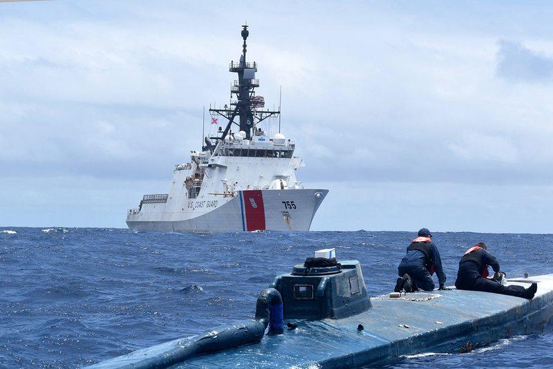 Guardia Costera de EE.UU. muestra extraordinaria captura de narco submarino