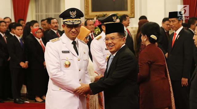 Cerita Lucu Ini Bikin Jokowi-Prabowo Akrab Saat Pelantikan Anies