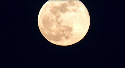 Mañana no puedes perderte la superluna rosa-TuParadaDigital