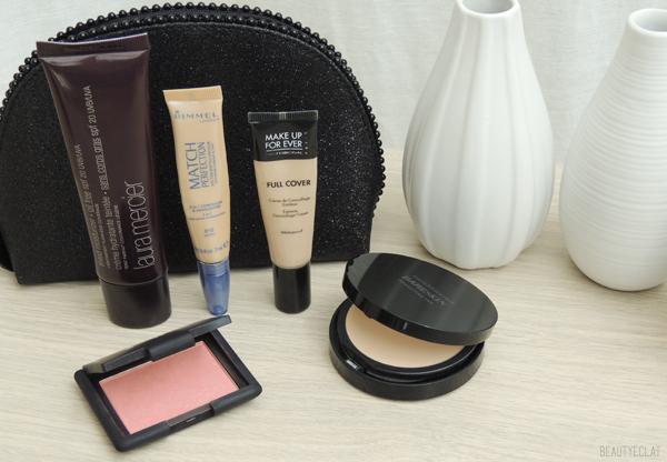 trousse maquillage minimaliste vacances