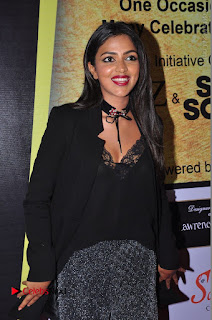 Actress Amala Paul Stills in Black Dress at South Scope Lifestyle Awards 2016 Red Carpet  0090.JPG