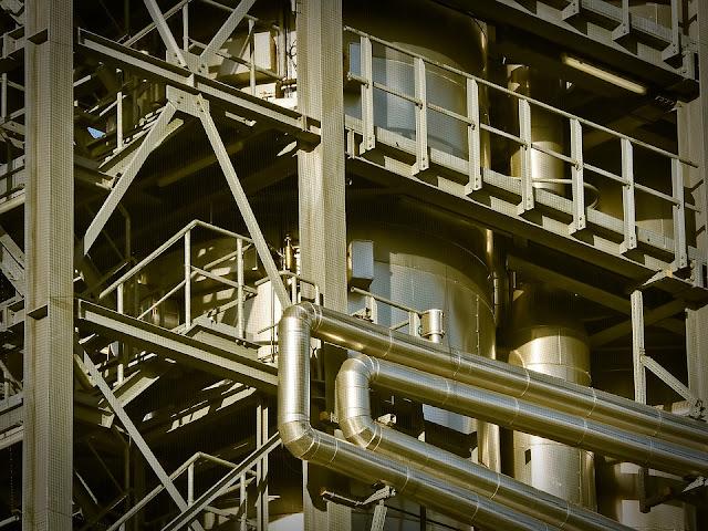 El Ivace concede 1,3 millones de euros para modernizar 13 polígonos industriales en La Vega Baja en 2019