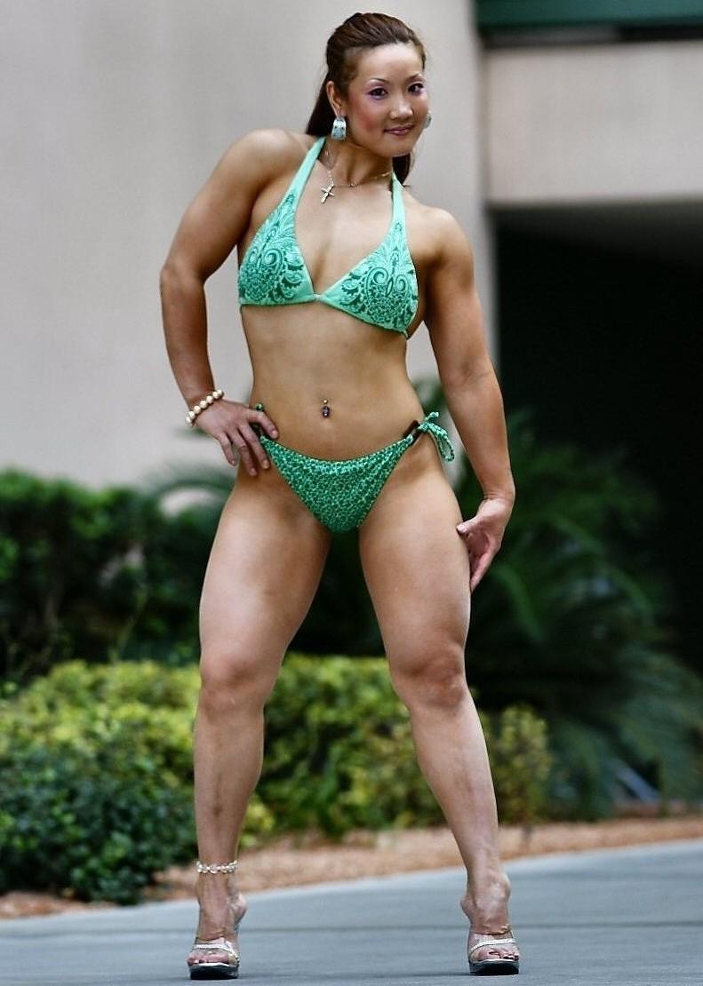 Publi  233  par Muscle Beach   224  03 45Xin Li Cao Muscle