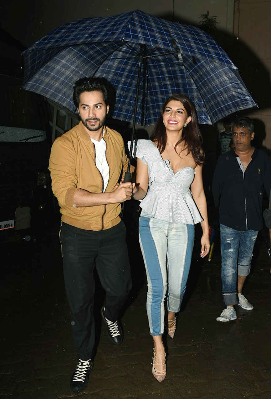 Varun Dhawan, Jacqueline and Taapsee Pannu Promoting Film 'Judwaa 2' at Mehboob Studio