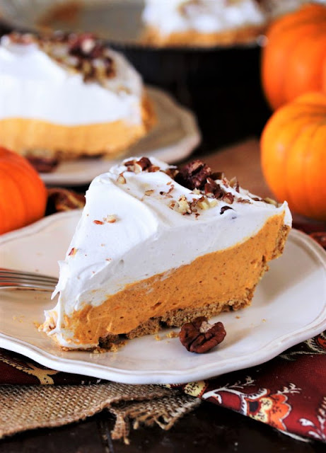 Easy Creamy No-Bake Pumpkin Cream Pie Slice Image