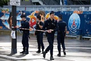 محدث بث مباشر.. اتفاقية تعاقد اللاعب الارجنتيني لونيل ميسي مع نادي باريس سان جيرمان الفرنسي الان لحظة بلحظة