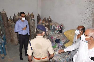 Madhya Pradesh Satna में ऑक्सीजन सिलिंडर की कालाबाजारी का मामला सामने आया है