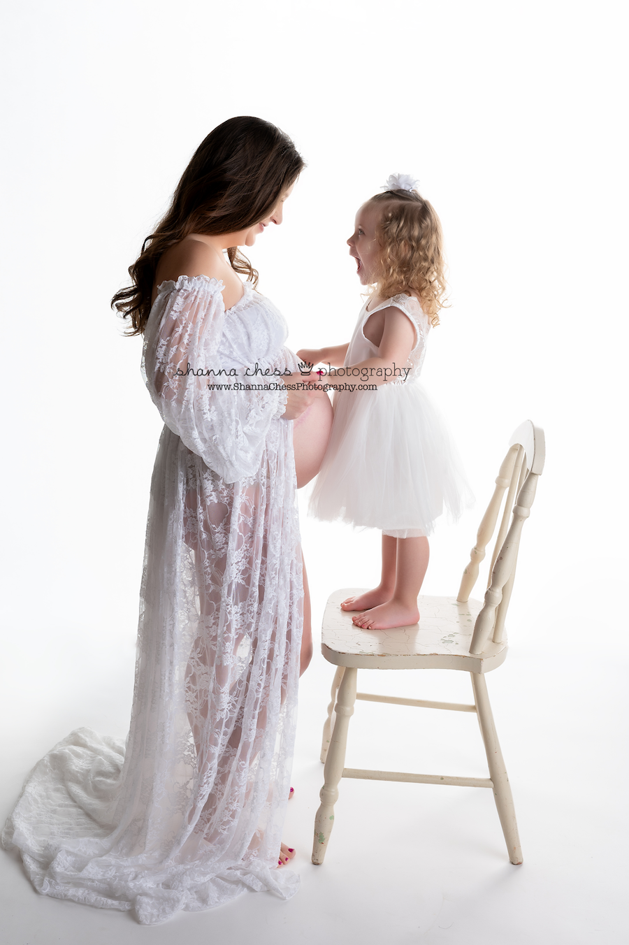 eugene oregon maternity photographer with children and family