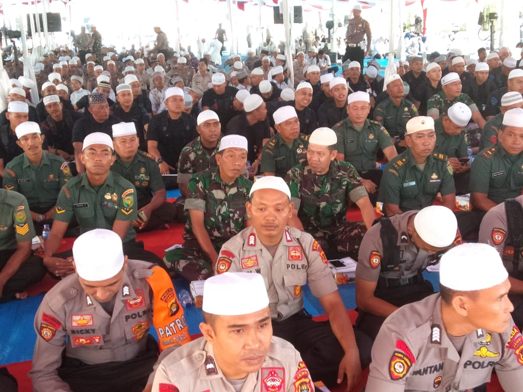 Jajaran Korem 042/Gapu Hadiri Tabligh Akbar dan Istigosah Damai Indonesia