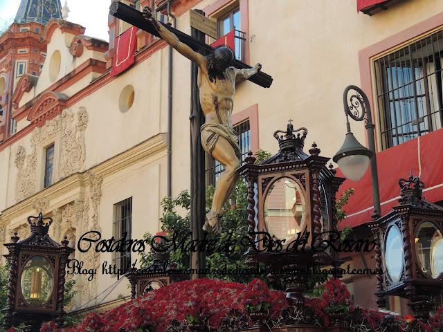 Imágenes de un Jueves Santo por Sevilla