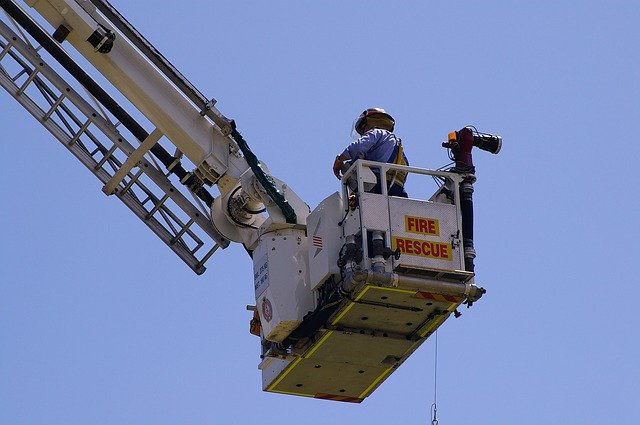 Guide to Choose a Cherry Picker