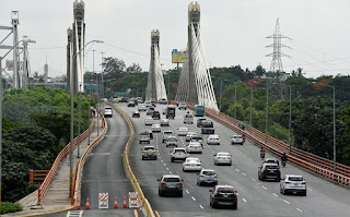 """Obras Públicas apertura el tránsito en puente Juan Bosch; RD$48 millones fueron destinados.""""El Internacional"""""""