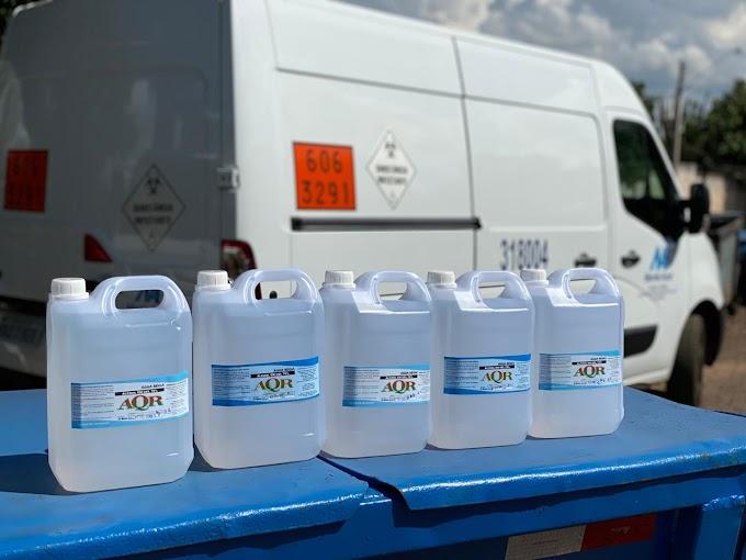 Monte Azul faz doação de álcool em gel à entidades