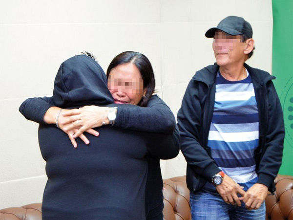 Filipina prison inmate meets parents after 14 years, Dubai, News, Gulf, World, Police