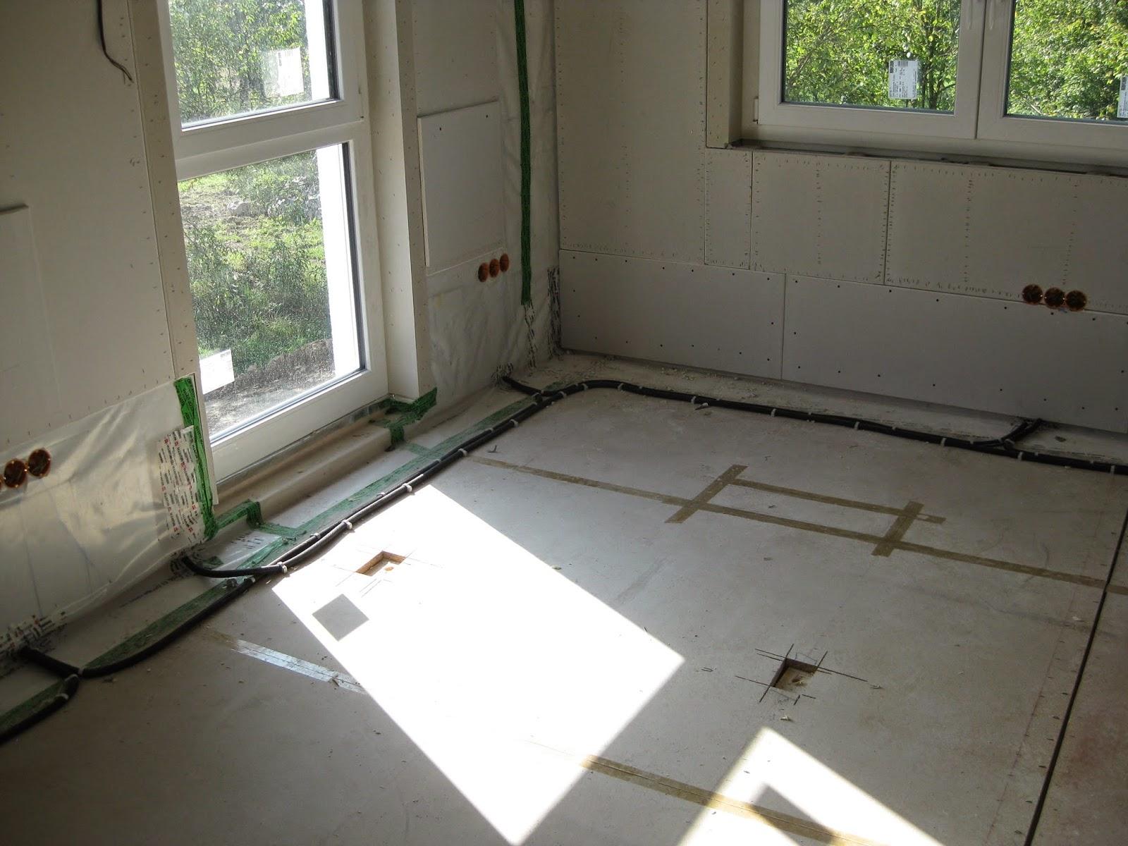 wir bauen ein okal haus kabel liegen volles haus ab montag. Black Bedroom Furniture Sets. Home Design Ideas