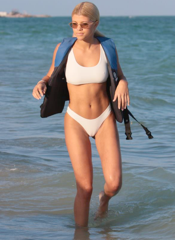 Sophie Richie wears revealing bikini...and puts her camel toe on display (photos)
