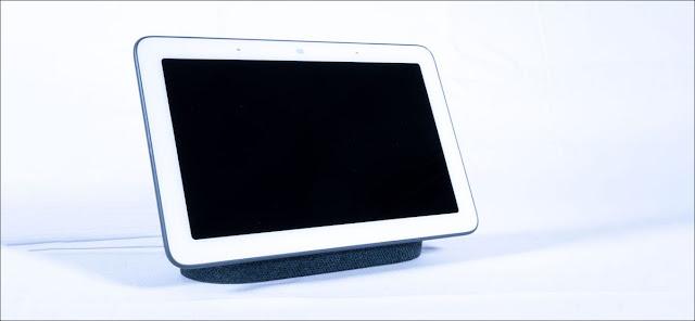 Google Nest Display مع إيقاف تشغيل الشاشة