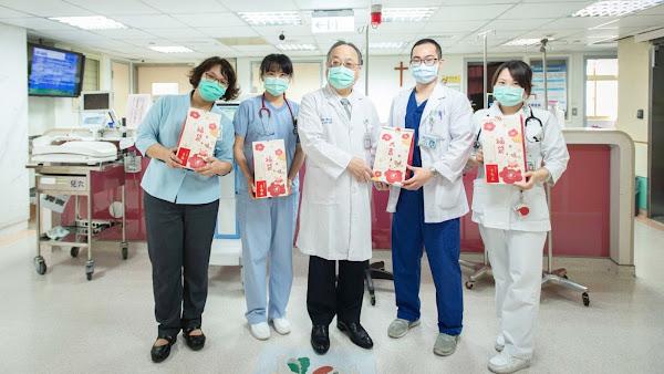 縣長媽媽春節前送福袋 王惠美慰問關懷住院病童