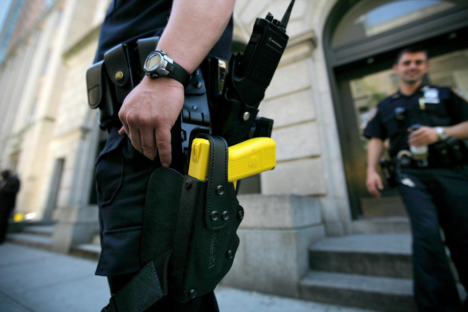 Національна поліція тестує 200 електрошокерів Taser
